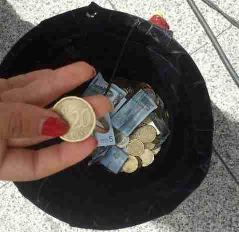 כסף בכובע